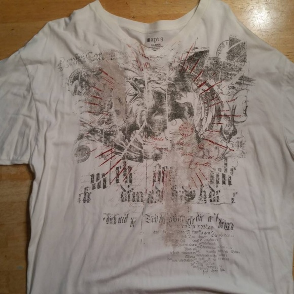 Apt. 9 Other - Apt. 9 V-Neck Graphic Tee Shirt
